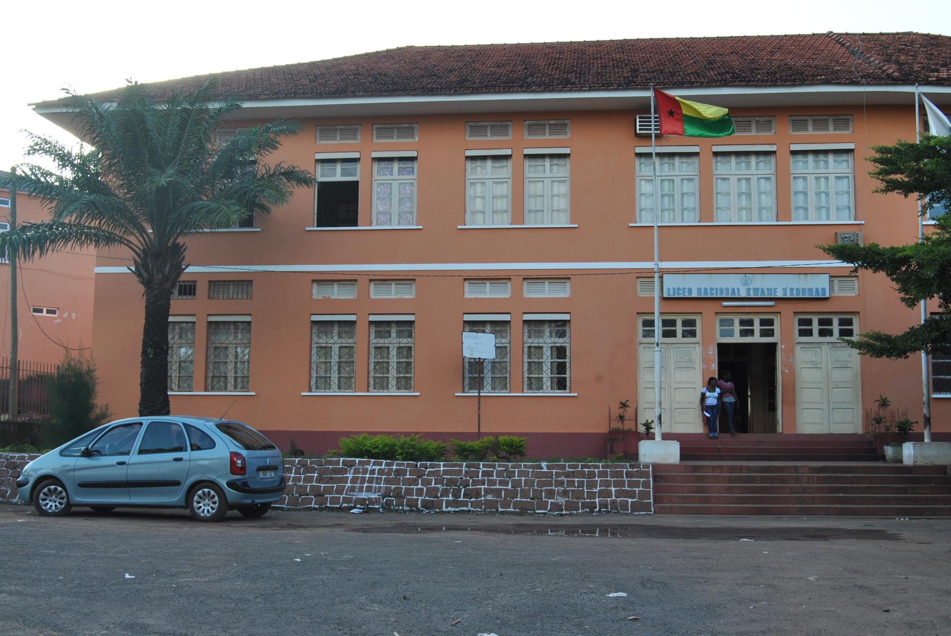 Image result for escolas publicas da guine bissau