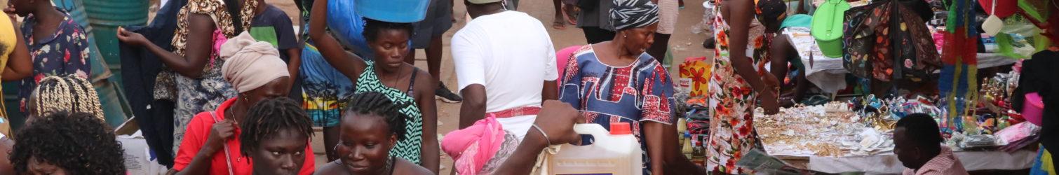 Utentes no mercado de Bandim (Foto Arquivo)